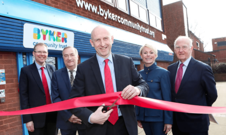 Shadow Secretary of State cuts ribbon at new Byker housing office unveiling