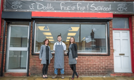 Full Circle North East gives First Plaice to Fishmonger