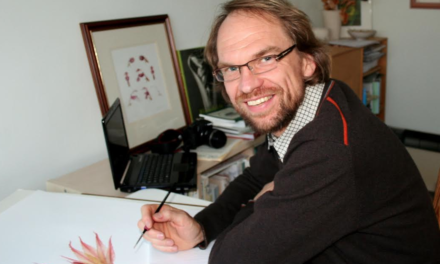 Award winning botanical artist to give botanical sketching workshops for beginners