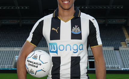 Newcastle United: Isaac Hayden Signs