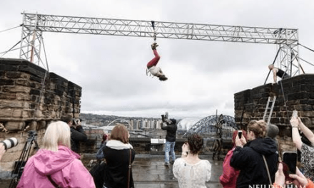 Cross Succeeds in latest Daredevil Escapology Stunt