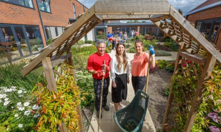 intu bosses sow the seeds of friendship at Grace House