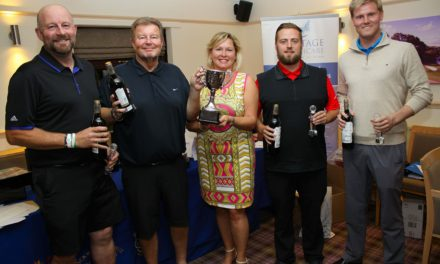 Golfers raise £13K for hospice