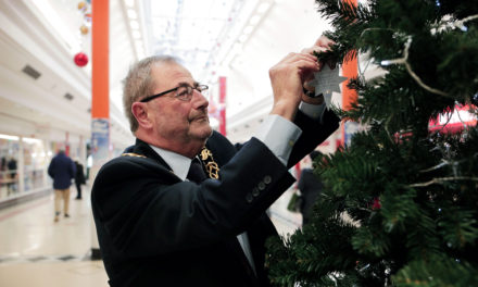 Mayor pays tribute to late wife at hospice's dedication tree opening