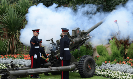 Gunfire to mark Two Minute Silence on Remembrance Sunday