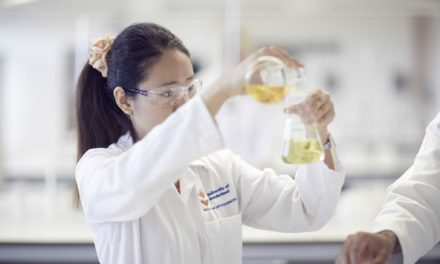 Undergraduates discover the hidden science inside every fragrance product