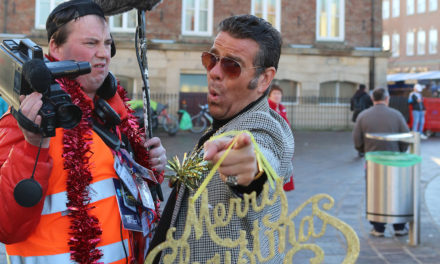 Street magician delights crowds at Stockton sparkles