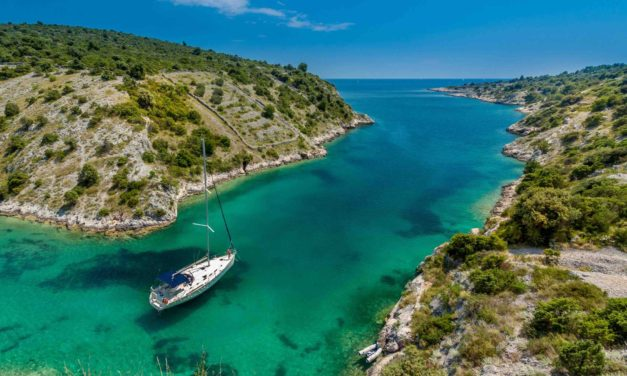 How to Enjoy a Spectacular Mediterranean Sailing Trip