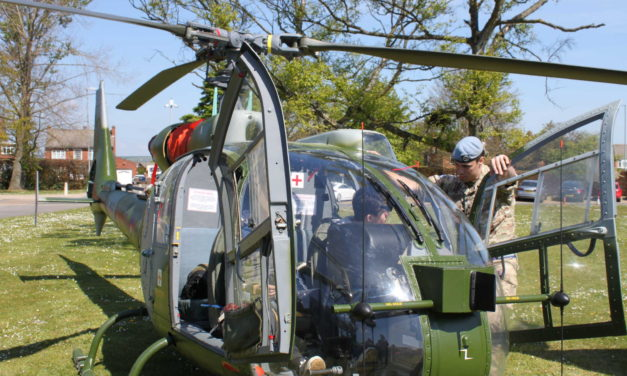 Army brings out the big guns for recruitment event