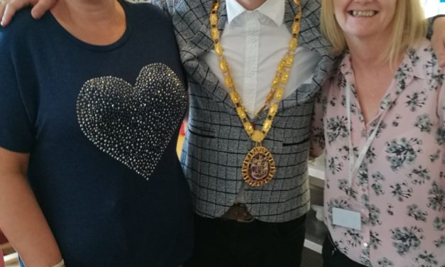 Open Day sees Mayor and Elvis fans visit Peterlee care home