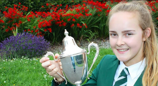 Outstanding students recognised in prize giving