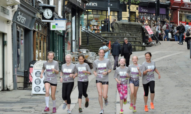 Champion Team GB athlete visits Durham to inspire young runner