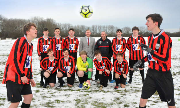 Tyne Tunnel donation kits out local youth football team