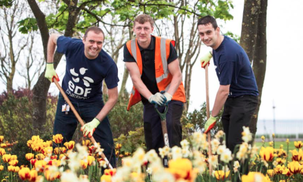 Green Fingered Volunteers Do Bloomin' Great Job at Local Park