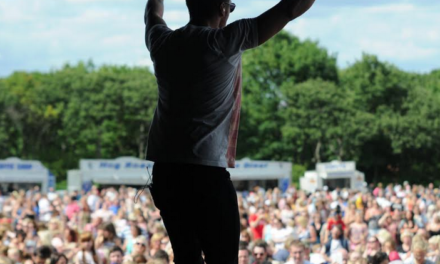 5ive and Atomic Kitten Wow Crowds at Free North East Gig