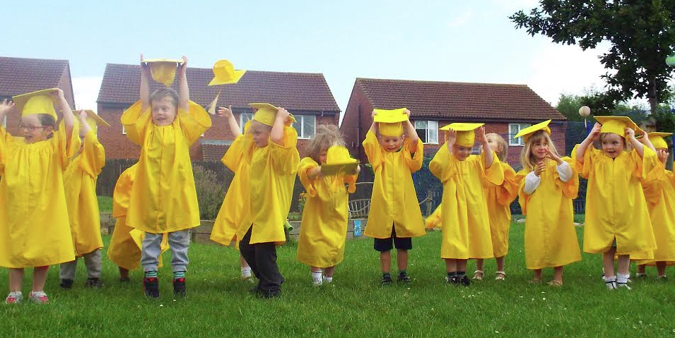 Thornaby Tots Celebrate Golden Graduation