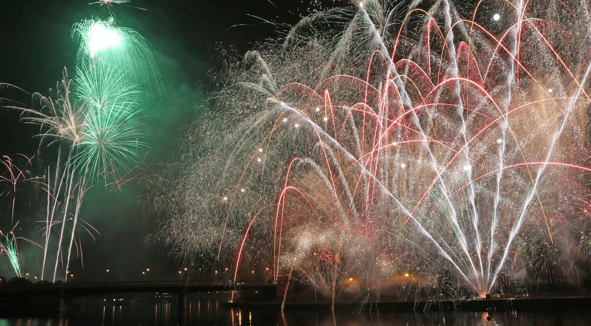 Fireworks display back with a bang for 2015