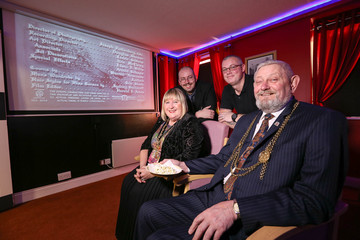 Mayor 'goes to the movies' at Moorfield House