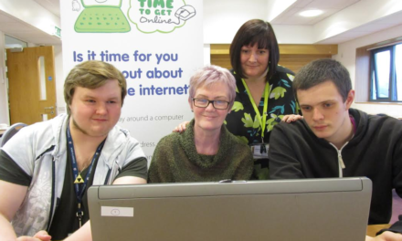 College students help local people to get online