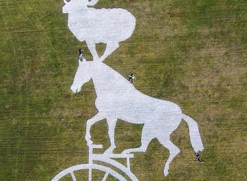 Giant land art will give Tour de Yorkshire TV audience a 'boars-eye' view from Sutton Bank