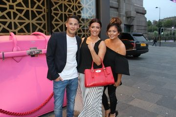 Gogglebox star Scarlett Moffatt giant pink handbag and Chatty Lasses