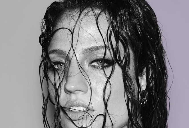 Jess Glynne Announces UK Arena Shows:' Hold My Hand' Singer To Play The Biggest UK Shows To Date