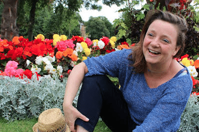 Hartlepool poet spreads some happiness in new play