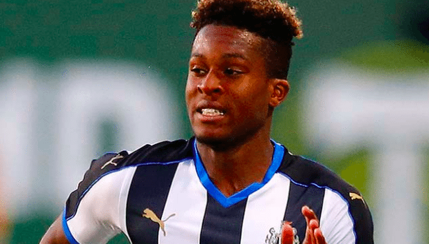 Aarons signs a new five-year contract with Newcastle United