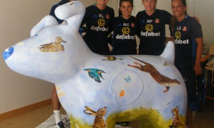 SAFC Ladies Show Their Support for Snowdogs