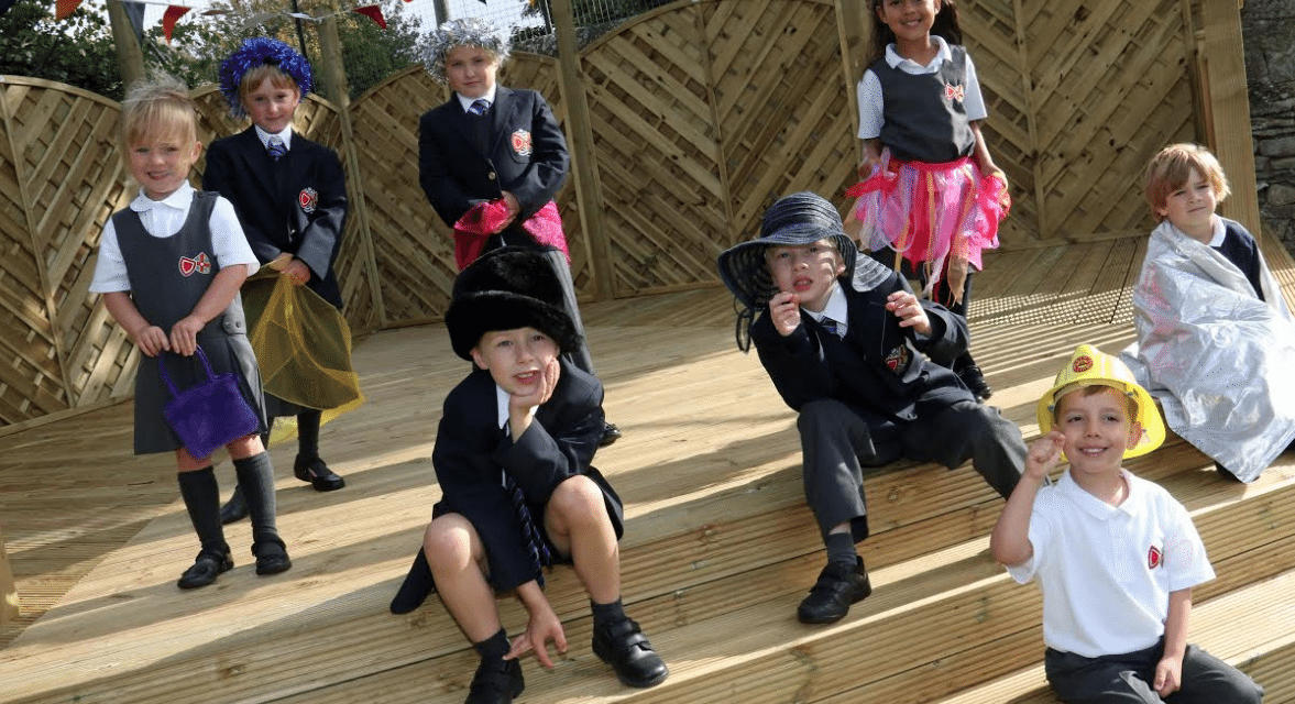 Pupils tred the boards of new outdoor theatre