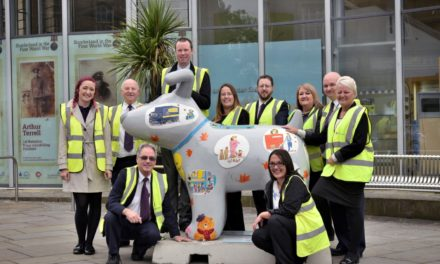 Stagecoach can't hide their Excitement at Launch of 'Hiding Lions' Snowdog!