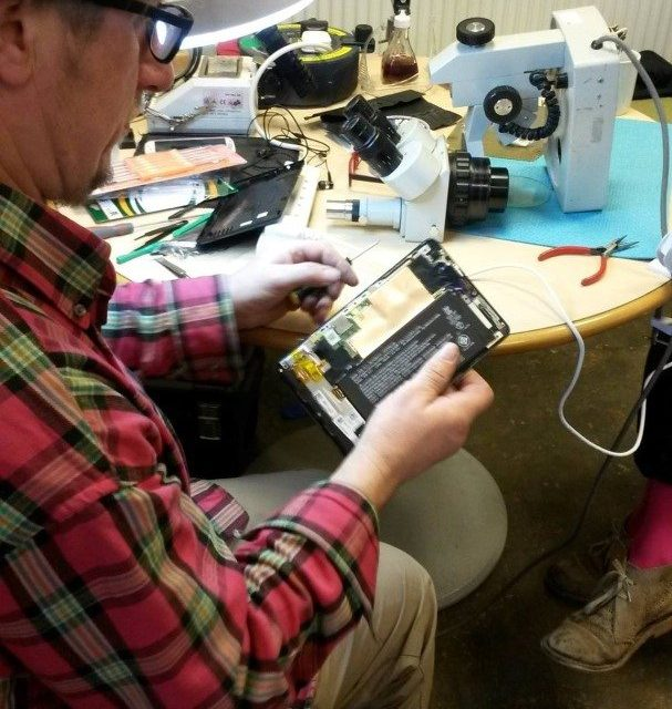 Fix-it Club gets gadgets going again