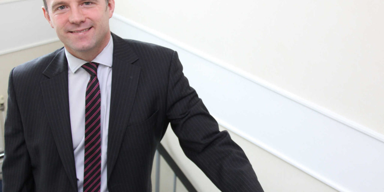 Law firm launches live chat service