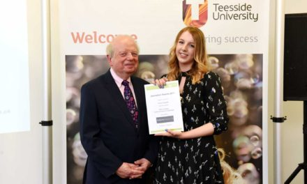 Budding journalists receive prizes from industry veteran