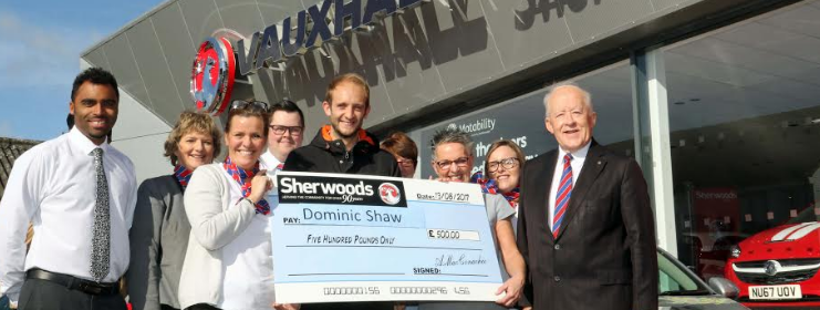 Runner collects £500 for breaking record at 30th annual Sherwoods 10K