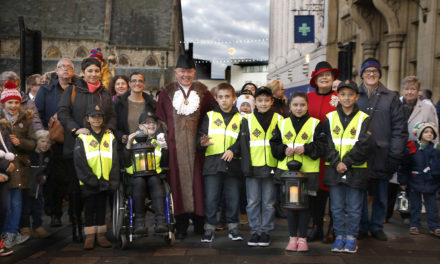 Preparations Under Way for Children's Festive Lantern Procession