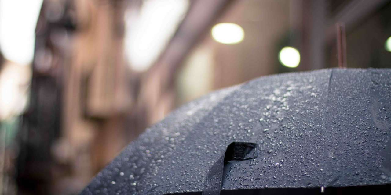 Umbrella Etiquette: Using Your Umbrella Safely in a Busy Christmas Market