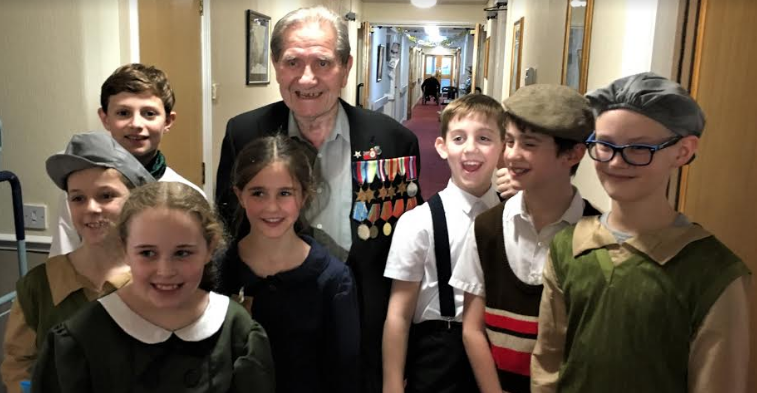WW2 veteran gives pupils first-hand history lesson