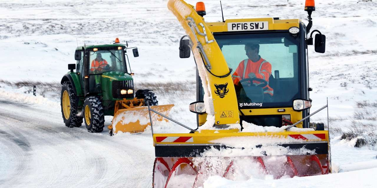 Work continuing to minimise snow disruption
