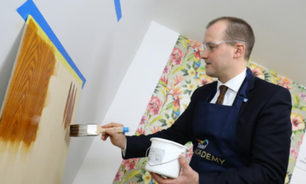 Northern Powerhouse minister visits world's most advanced and sustainable paint factory