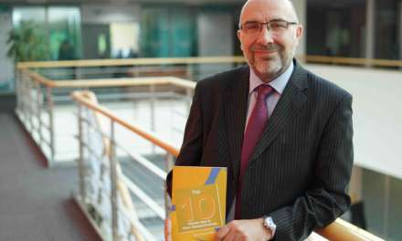 Award-winning mentor shares his expertise in new booklet to support entrepreneurs