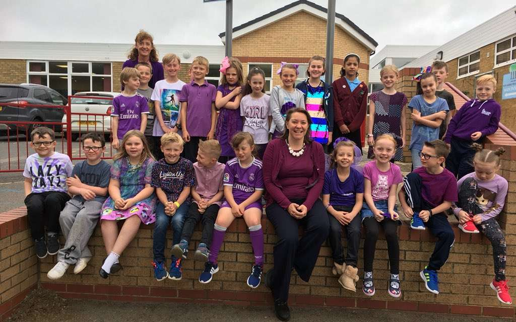 MP wears purple with New Marske Primary for Juvenile Idiopathic Arthritis Day