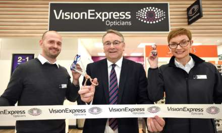 Alan Campbell MP opens new opticial store in North Shields