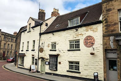 Restored pub overlooking Alnwick Castle for sale