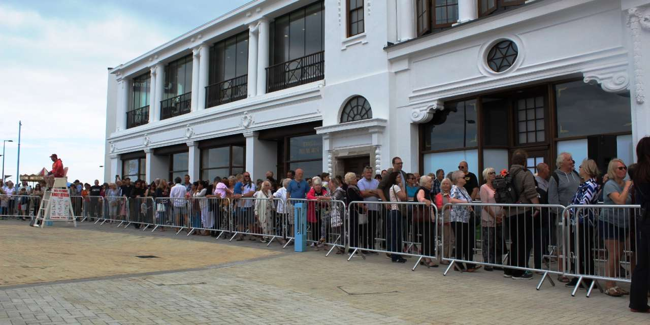 Thousands turn out for Spanish City opening weekend
