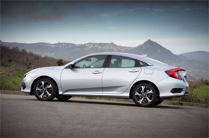 HONDA CONFIRMS PRICING, SPEC AND GRADES FOR FOUR DOOR CIVIC