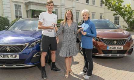 PEUGEOT DELIVERS NEW 3008 SUVS TO JAMIE AND JUDY MURRAY