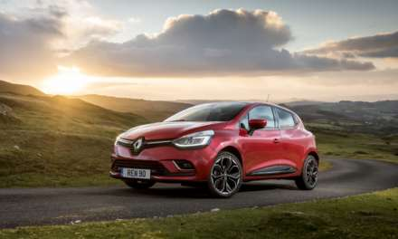 RENAULT OFFERS CUSTOMERS AN EXTRA £500 OFF WHEN THEY TAKE A TEST DRIVE
