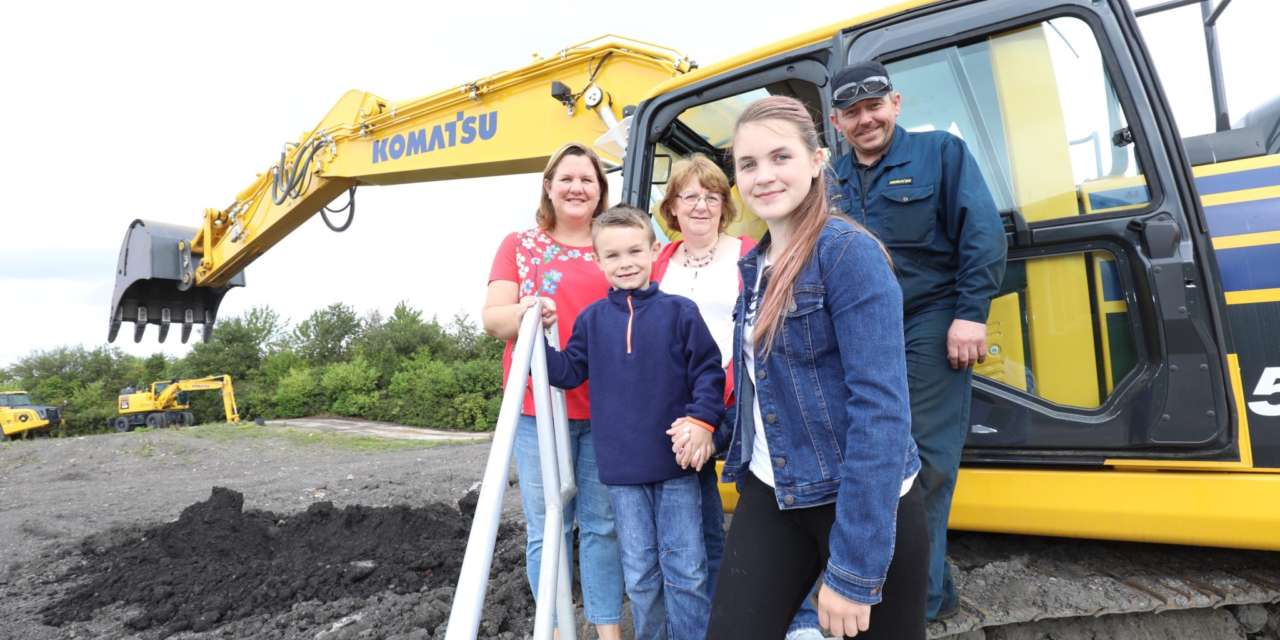 Komatsu becomes exhibit for North celebration