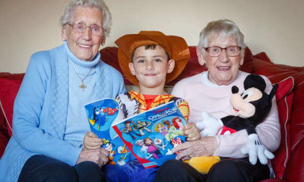 95 year old twin sisters get the VIP treatment from Disney On Ice